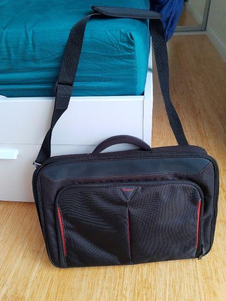 Torba na laptopa TARGUS CN418EU 17-18 cali Czarno-czerwona ST. IDEALNY