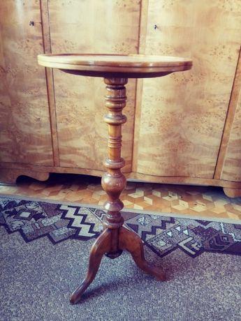 Okragly stolik