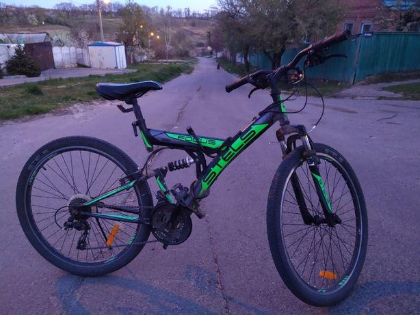 Продам велосипед Stels Focus 26 диаметр + комплект запчастей 3000 грн