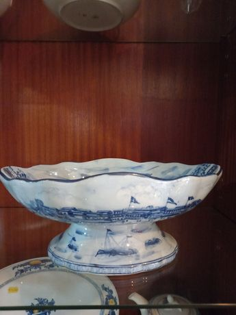 Peças em porcelana azul