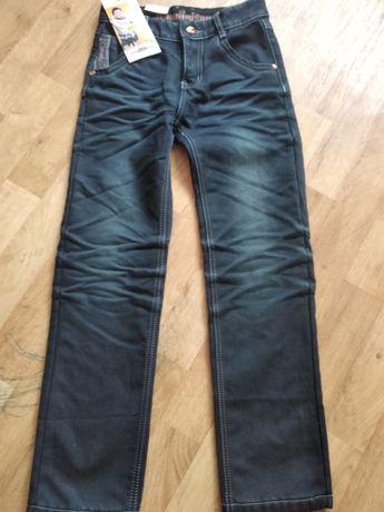 Продам новые джинсы на мальчика