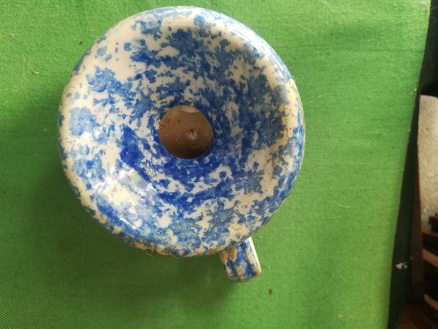 Peça em cerámica com  100 anos.
