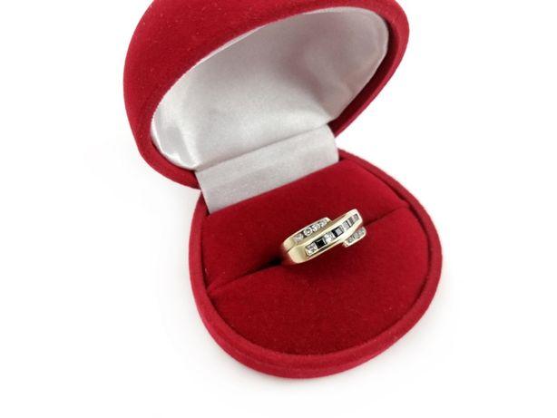 Złoty pierścionek z CYRKONIAMI 333 2,48G R14