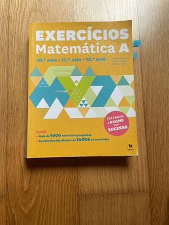 Livro de exercícios de matemática para preparação de exame