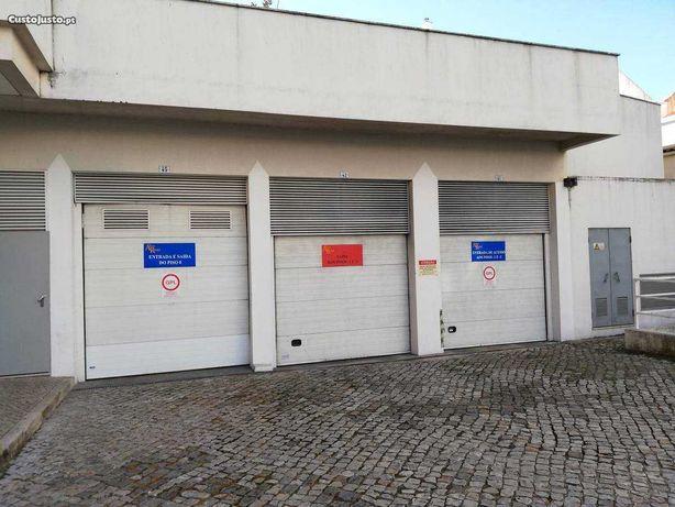 2 lugares de estacionamento Ed. Alves Redol - Vila Franca de Xira