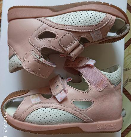 Новые ботинки босоножки Bartek Geox р.22-29
