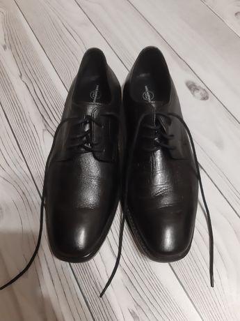 Новые стильные туфли 37 размер