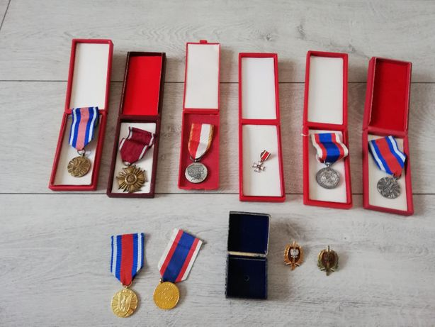 Medale odznaczenia z epoki PRL-U 10szt Milicja