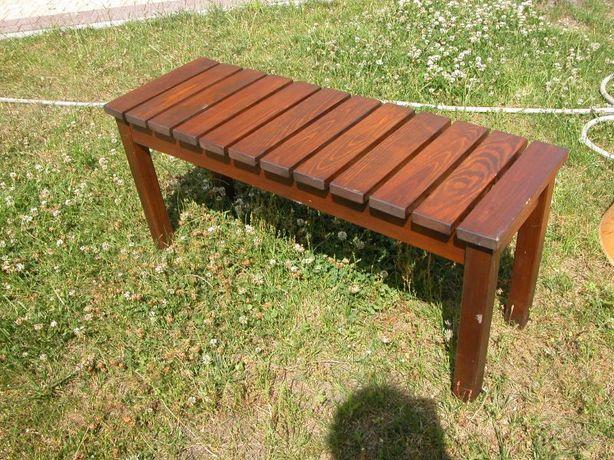 kolekcjonerska drewniana ławka