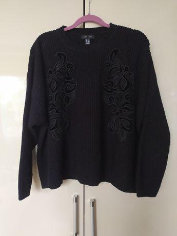 Sweter czarny z haftem oversize 46/48