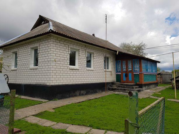 Дім з садом і ділянкою на 25 соток с.Кривошиї, Вінницька обл