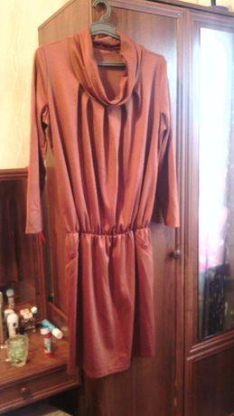 продам платье коричневого цвета