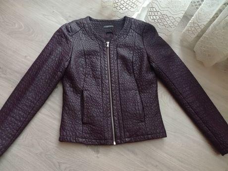Фірмова куртка з шкірзамінника