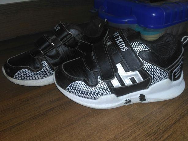 Кросівки чорні, кросовки черные