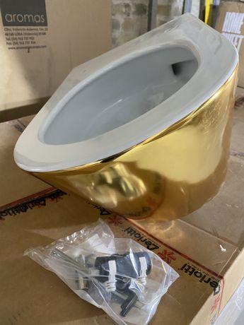 Продам подвесной унитаз Catalano Gold Silver