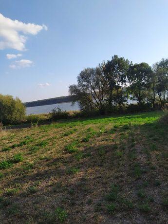 Продам земельну ділянку біля річки