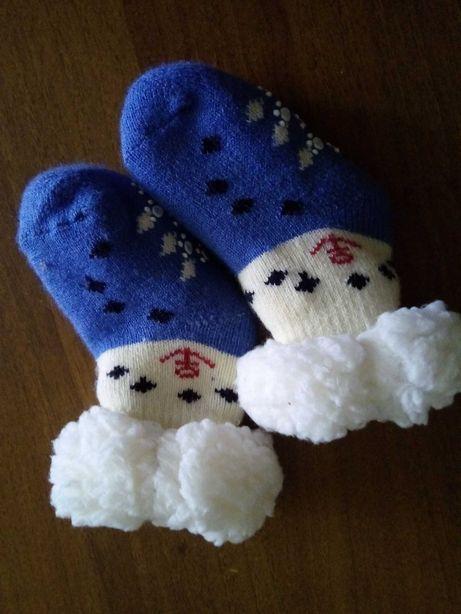 Тепленькие носочки на малыша