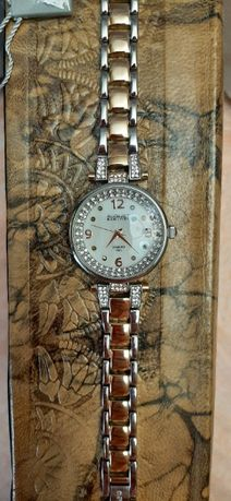 Часы August Steiner с бриллиантами, Сваровски и перламутром