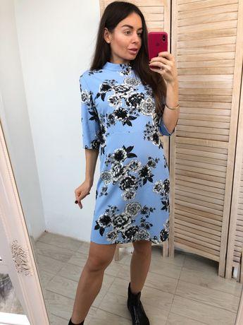 Голубое платье в цветах DEFINITIONS