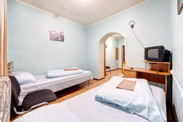 Комнаты посуточно в отеле 1-4 местные м.  Нивки, Сырец, Виноградар