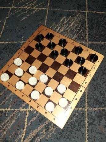 Игра для детей и взрослых: шашки)