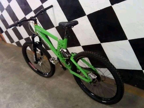 Bicicleta Rocky Moutain