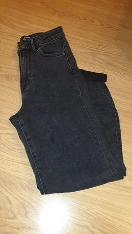 Czarne mom jeans