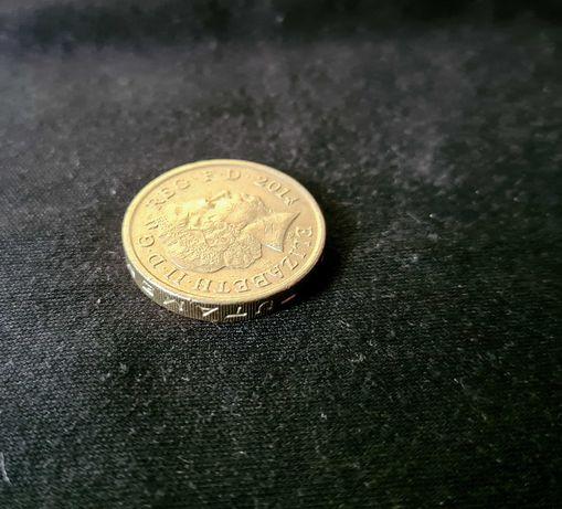 1 POUND 2014 1 Funt moneta z błędnie wybitym napisem DECUS ET TUTAMEN
