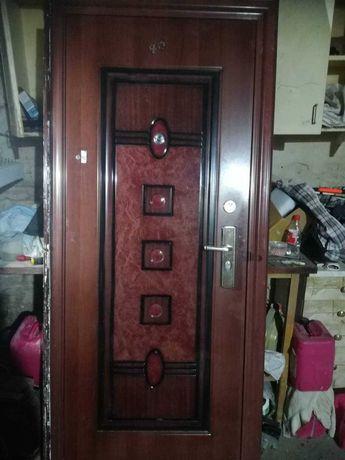 двері вхідні металеві 1500 грн