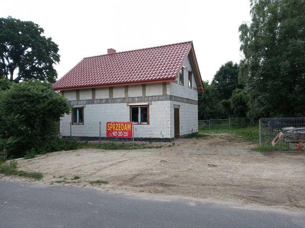 Sprzedam dom wolnostojący w spokojnej okolicy NOWA CENA