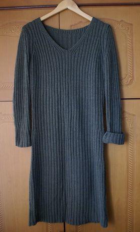 Вязаное оливковое платье, Италия