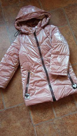 Продам зимнюю куртку на девочку рост 110-116