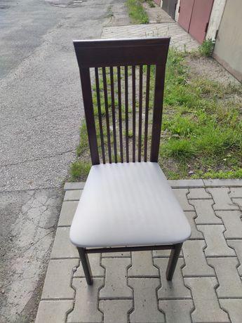 Komplet sześciu krzeseł