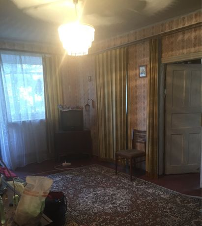 Продам 3-х комнатную квартиру Грушевского с гаражом. Закрытый двор
