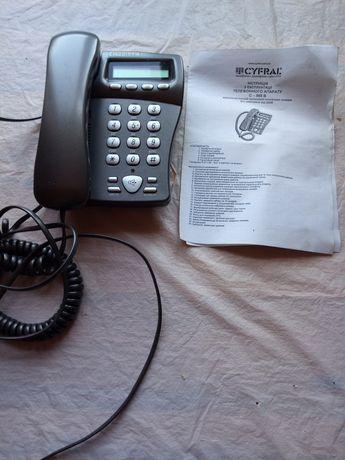 2 рабочих телефонных аппарата, телефон