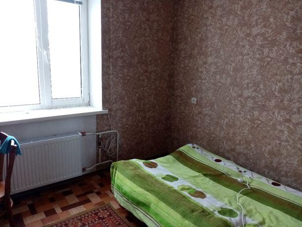 Сдаётся комната для девушки в 3-х комнатной квартире