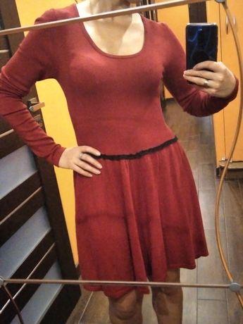 Dzianinowe czerwona sukienka