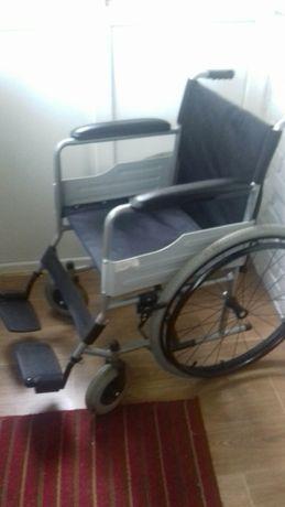 Продам новая инвалидную коляску.