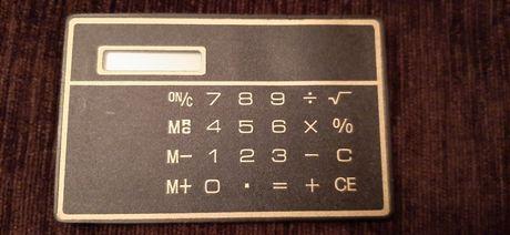 Тонкий, легкий калькулятор без кнопок