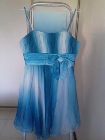 Vestido em tons de azul