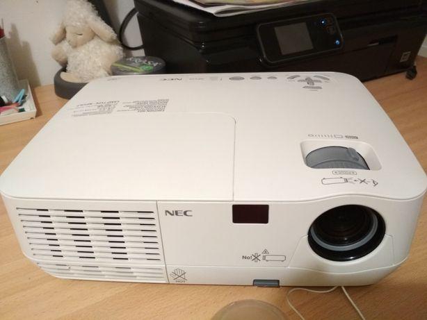Projektor NEC NP110 zamienię!!!