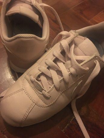 Nike Cortez 38,5 | novos