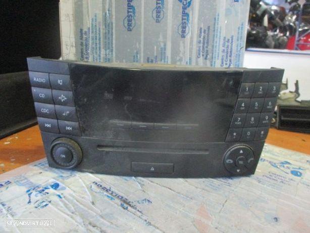 Rádio CD A2118209789 MERCEDES / w211 / 2003 /