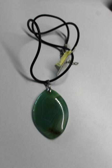 Кулон с зеленого агата