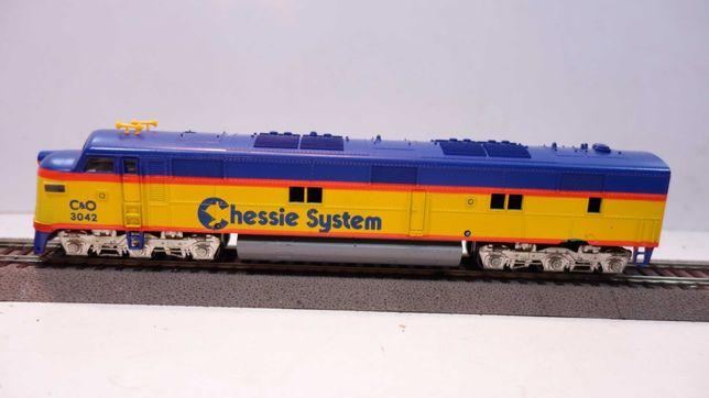 Lokomotywa diesel Arthearn  C&O Chessie System  skala H0  //3