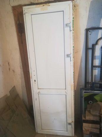 Двері металопластикові (нові, 204/67,5 205/68,5).