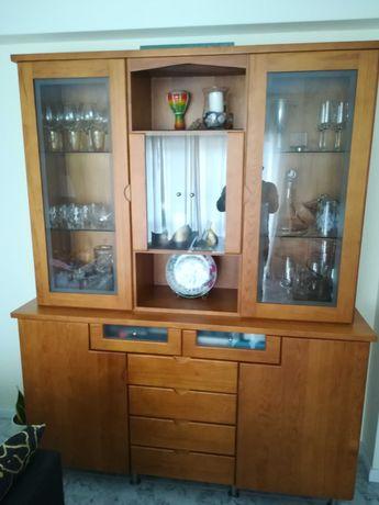 Móvel de sala (aparador e cristaleira) em pinho maciço