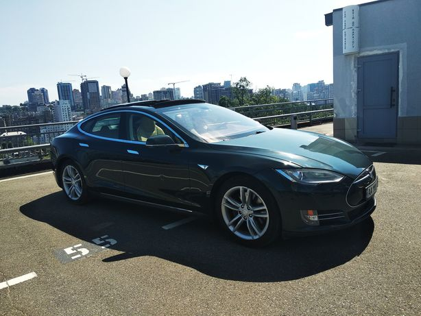 Tesla S 85 2013