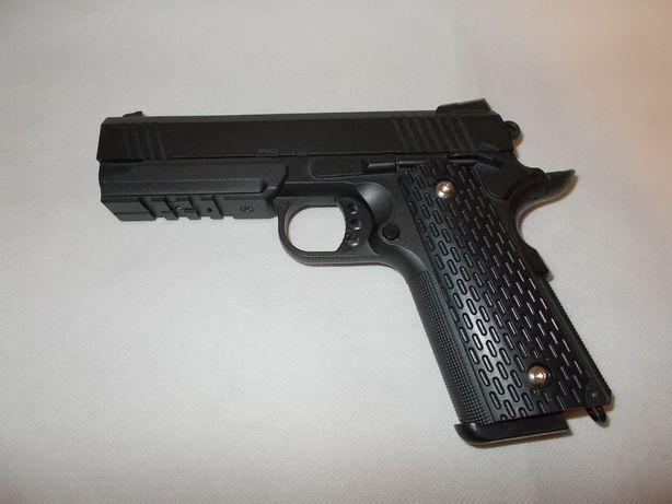 Pistolet metalowy G25 -imitacja broni