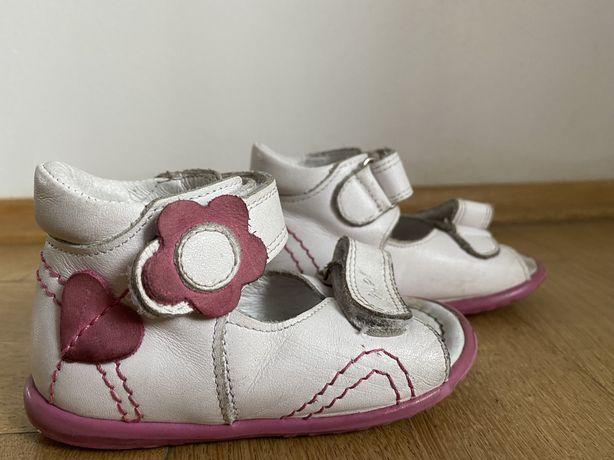 Sandałki roczki Emel r. 20 skórzane